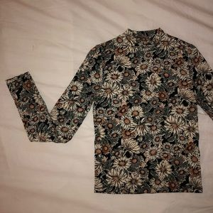 Tight Floral Long Sleeved Top